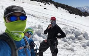 elbrus-group-climbing